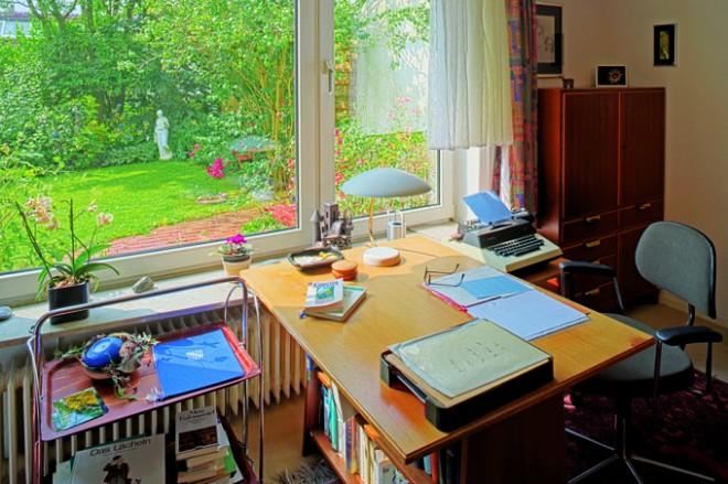 Schreibtisch_web